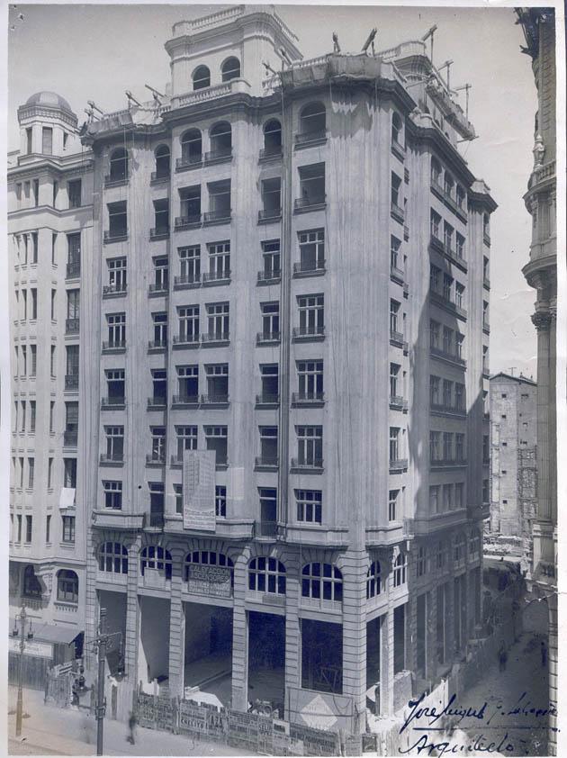 Edificio para oficinas en la Gran Via de Madrid