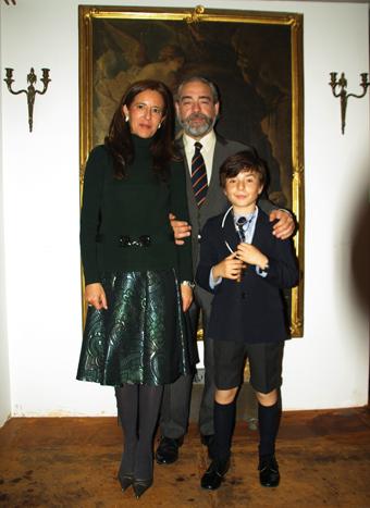 Mario Goicoechea Q.Salcedo, Macarena Cruzat Escauriaza y Javier